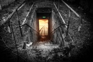 emergency-exit-696656_1920